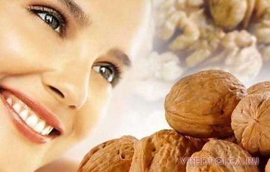 Грецкий орех омолаживает кожу, приводит в норму гормональный фон и защищает от онкологии
