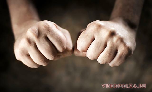 Вред хруста пальцами